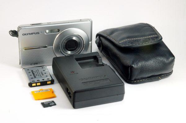 Olympus C-25 Digitalni Kompakt Fotoaparat