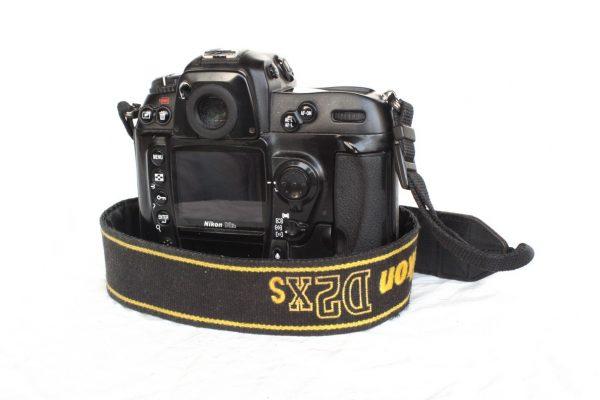 Nikon D2XS (telo)