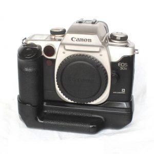 Canon EOS 50 E + EOS BP-50 vertical grip