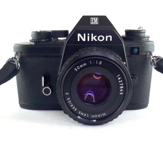 Nikon EM + Nikon E 50mm f/1.8